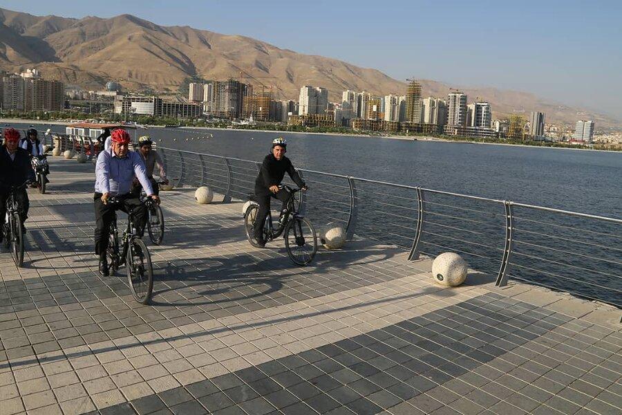 رکاب زنی شهردار تهران در منطقه 22