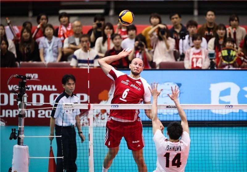 جام جهانی والیبال، پیروزی لهستان مقابل میزبان
