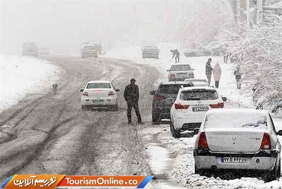 بارش باران در جاده های 5 استان، ترافیک سنگین در آزادراه قزوین-کرج-تهران