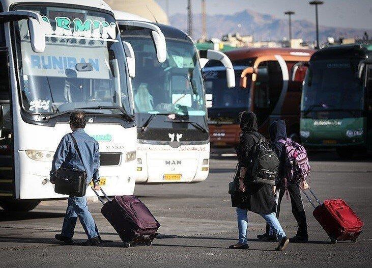 اولین ویدئو از بنزین 3 هزار تومانی در راس ساعت 12 شب ، کرایه اتوبوس های مسافربری هم دوباره زیاد می گردد؟
