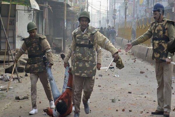 ادامه اعتراضات در هند، 350 نفر در دهلی بازداشت شدند