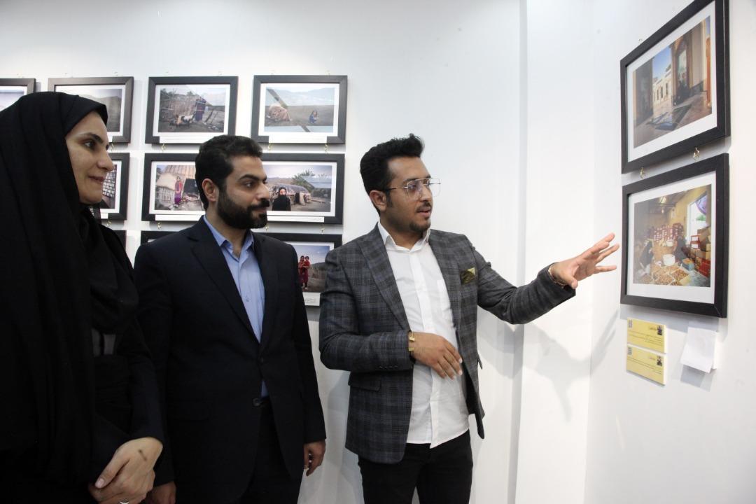 نمایشگاه عکس حضور زن در جامعه در بوشهر گشایش یافت