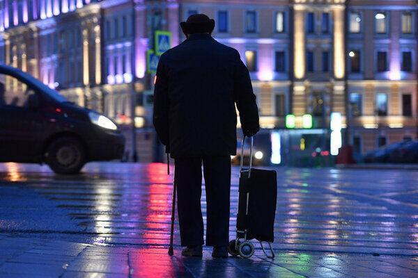 خبرنگاران شهردار مسکو: افراد بالای 65 سال اجازه خروج از خانه ندارند