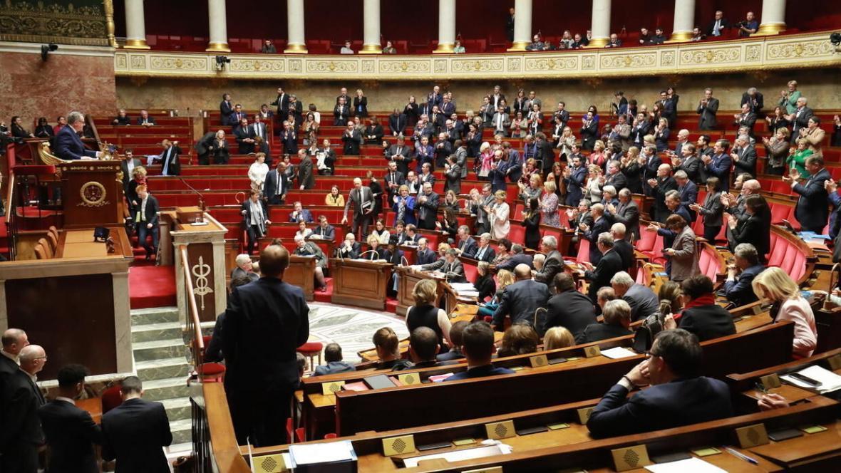 خبرنگاران شیوع کرونا در مجلس فرانسه