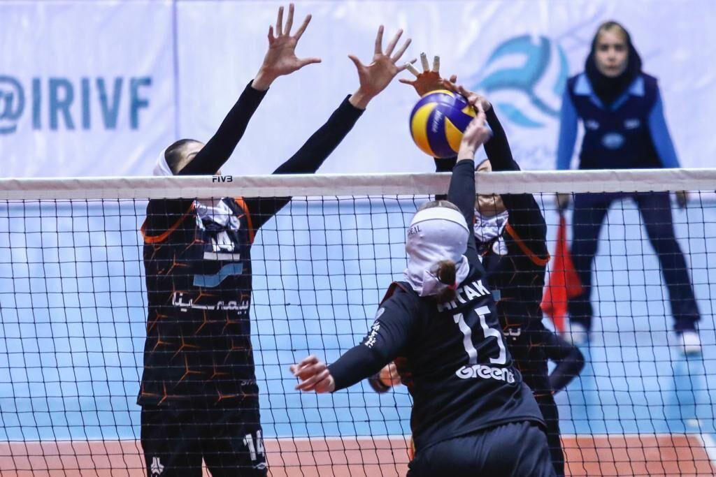 خبرنگاران سرمربی تیم سایپا: شیوه برگزاری لیگ برتر والیبال زنان تغییر می نماید