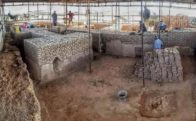 بازسازی بناهای خشتی در محوطه تاریخی ریوی مانه و سملقان