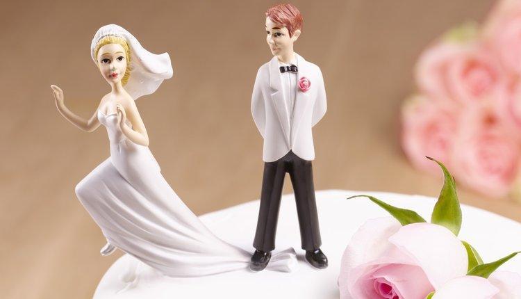 علت تردید در تصمیم گیری ازدواج چیست و چگونه می توان با عواقب آن مقابله کرد؟