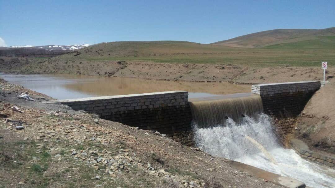 خبرنگاران اجرای 200 سازه آبخیزداری در همدان سال جاری شروع شده است