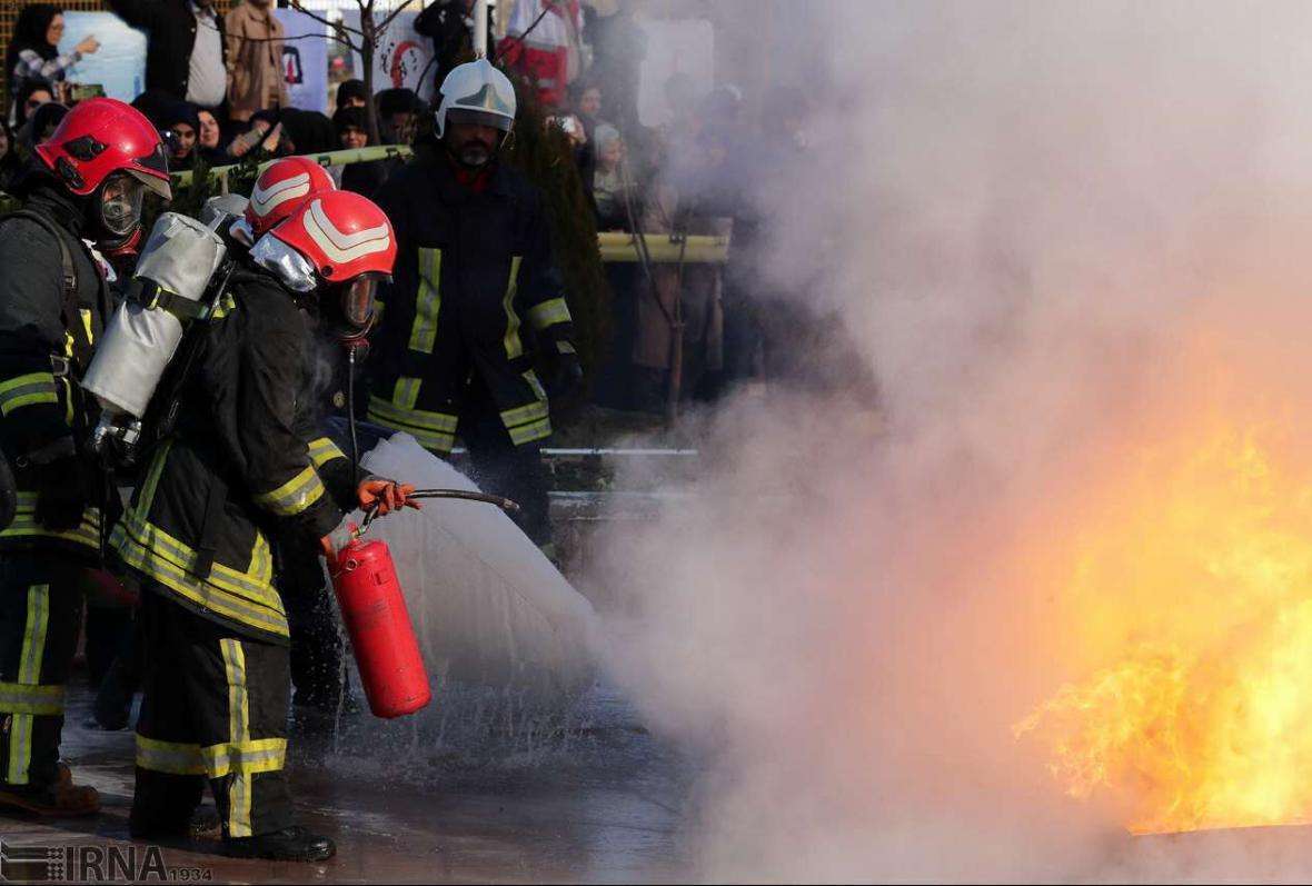 خبرنگاران آتش سوزی در مجتمع مسکونی 18 واحدی اهواز مهار شد