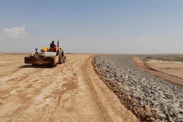 پیشرفت 70 درصدی احداث بند خاکی اسفراین ، خدمت شرکت آب و خاک قدس رضوی به عشایر