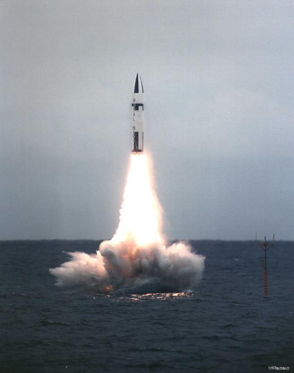 موشک پلاریس؛ اولین موشک زیردریایی پرتاب اتمی دنیا